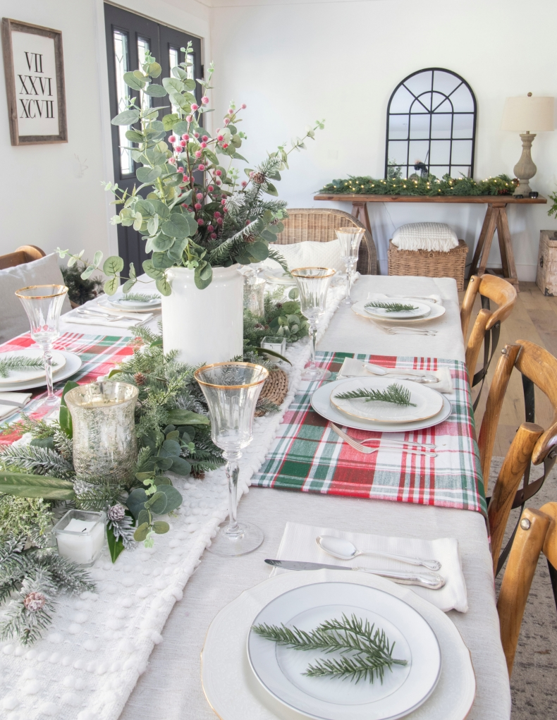 Christmas Centerpiece Ideas - Country Christmas Centerpiece by Beneath My Heart
