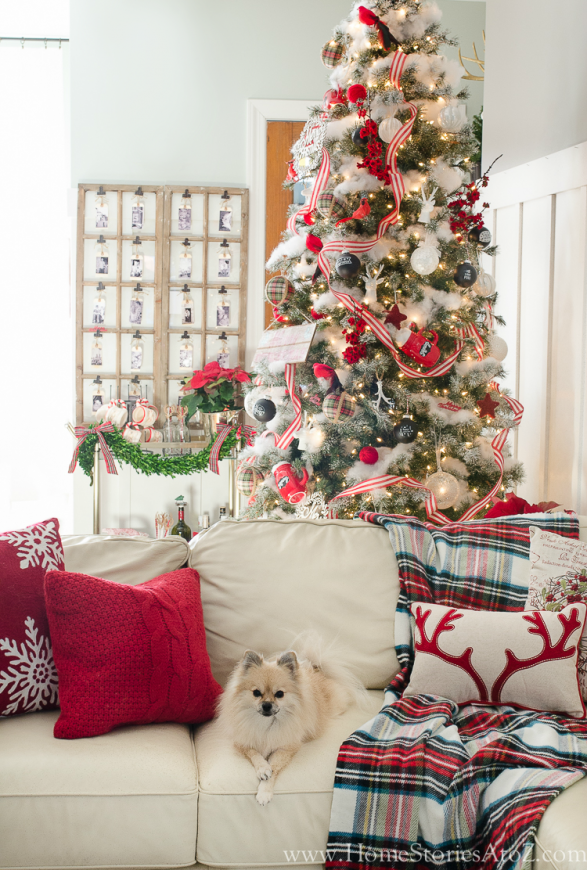 Christmas Vignette Ideas - Christmas Vignette in the Livingroom by Home Stories A to Z