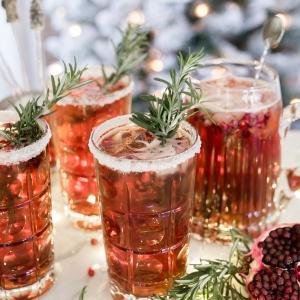 holiday cocktail recipe pomegranate