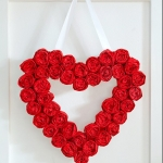 25 Valentine Heart Crafts - Valentine Wreath by It All Started With Paint