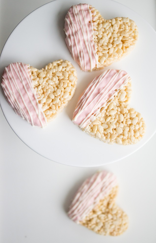 Valentine Treat Ideas - Heart Rice Krispies Treats by Eighteen25