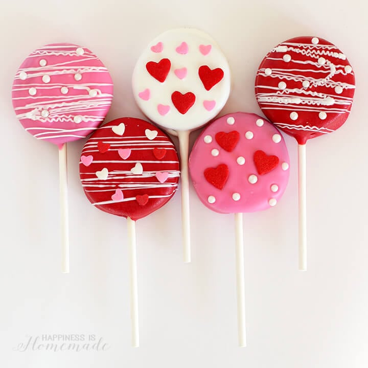 Valentine Treat Ideas - Valentine's Day Oreo Pops by Happiness is Homemade