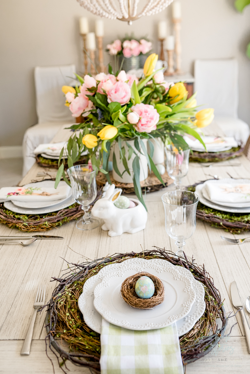 DIY painted Easter egg table setting