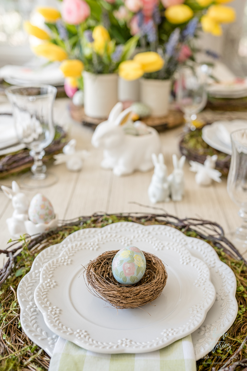 painted Easter egg place setting