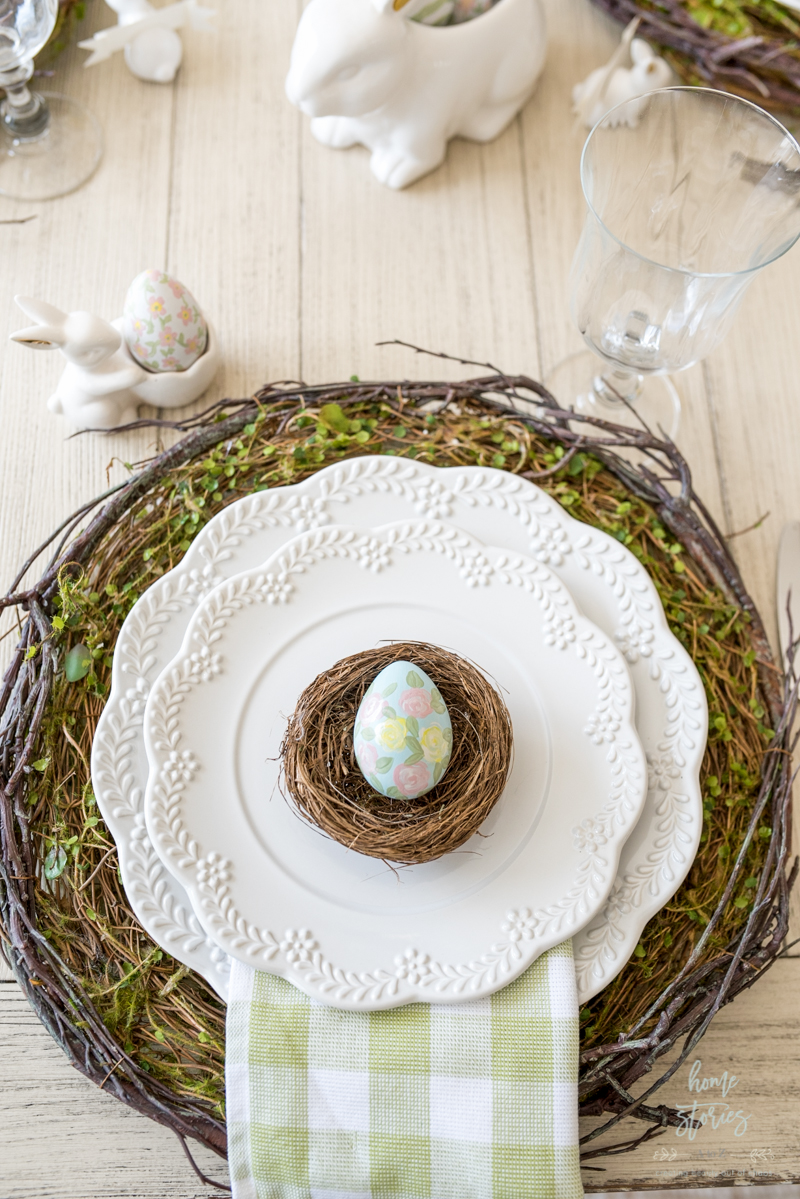 Egg in nest table idea