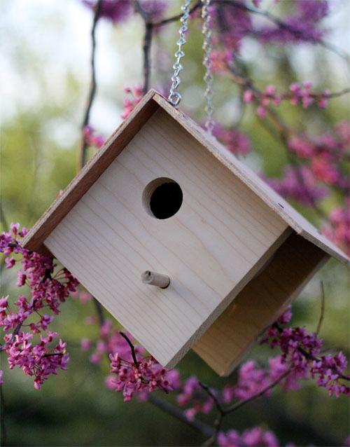 Bird Baths, Bird Feeders, and Bird Houses - DIY Birdhouse by Skip to My Lou