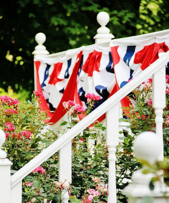 Patriotic Porch Ideas - Fourth of July Porches - Thistlewood Farms