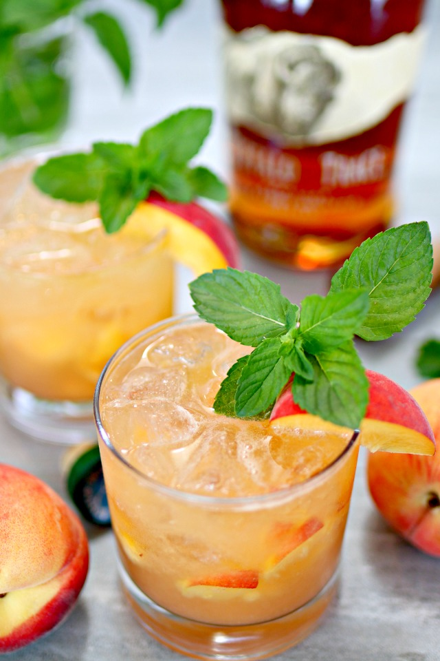 Refreshing Summer Drink Recipe - Bourbon Peach Smash Cocktail by Mom4Real