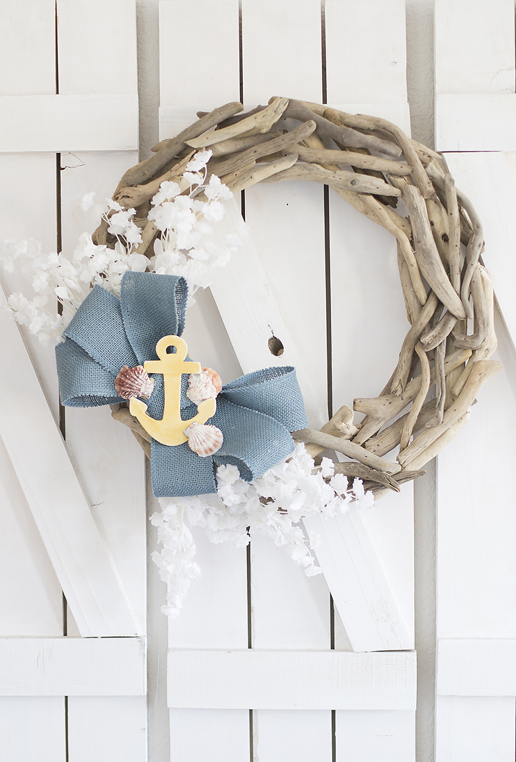 Summer Wreath Ideas - Driftwood Wreath by Blooming Homestead