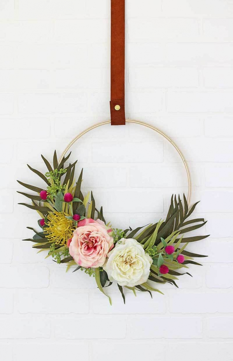 Summer Wreath Ideas - Modern Hoop Wreath by Persia Lou