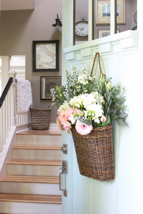 Summer Wreath Ideas - Summer Door Basket by The Inspired Room