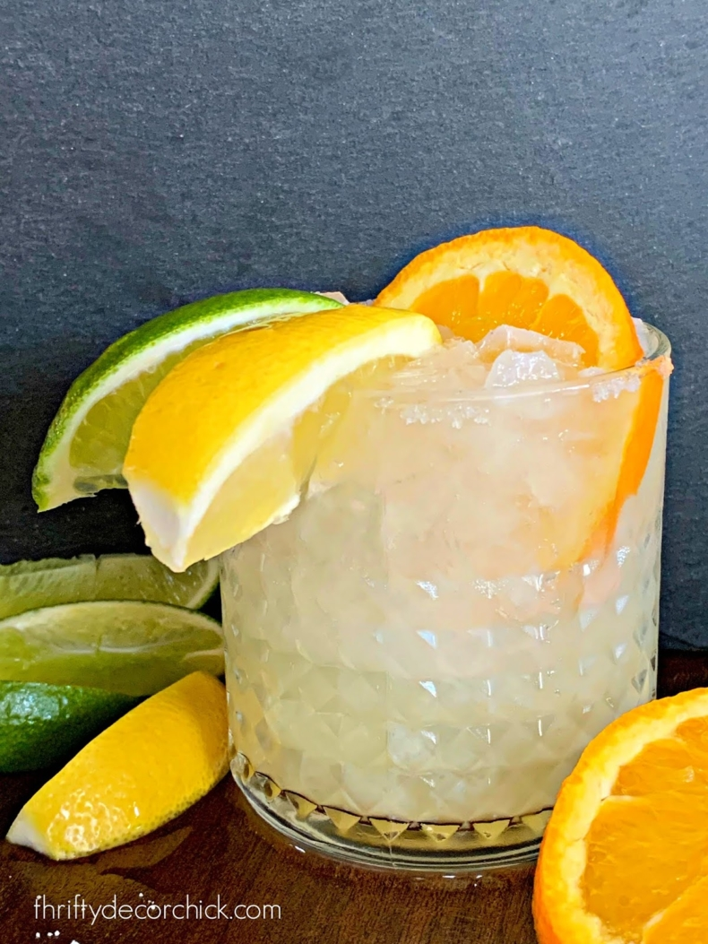 DIY Backyard Projects - How to Make the Perfect Margarita by Thrifty Decor Chick