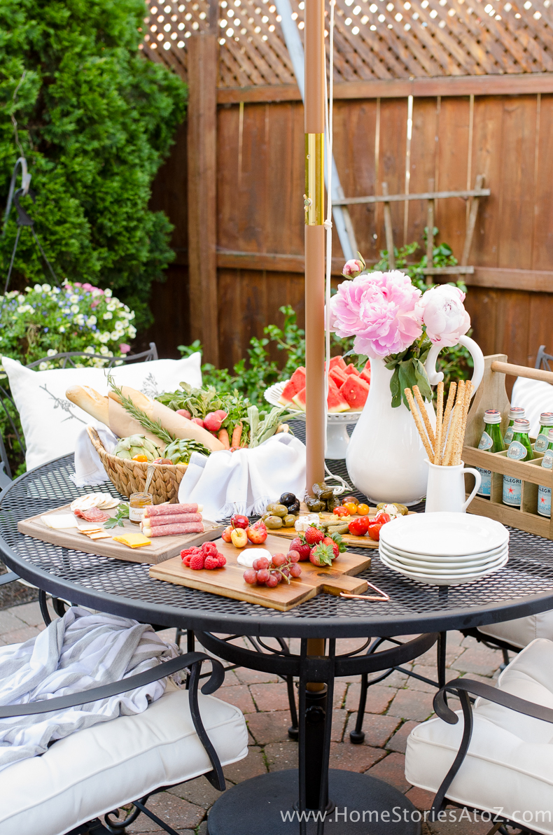 DIY Backyard Projects - Outdoor Picnic Ideas by Home Stories A to Z