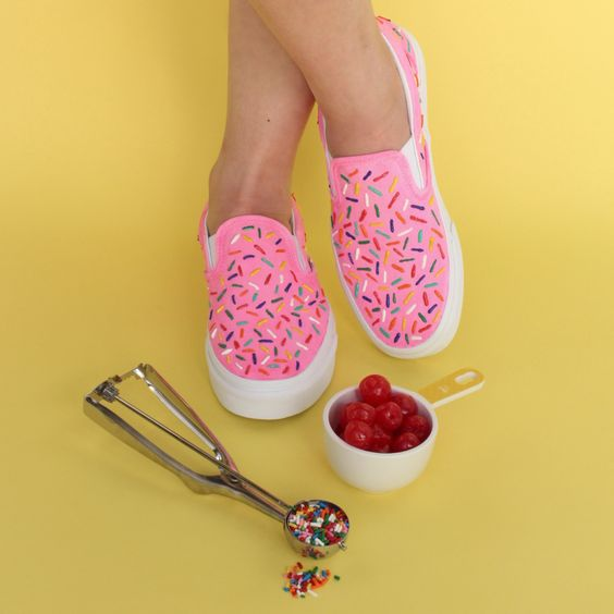 Fun Gifts and Crafts to Make This Summer - DIY Ice Cream Shoes by Craftward