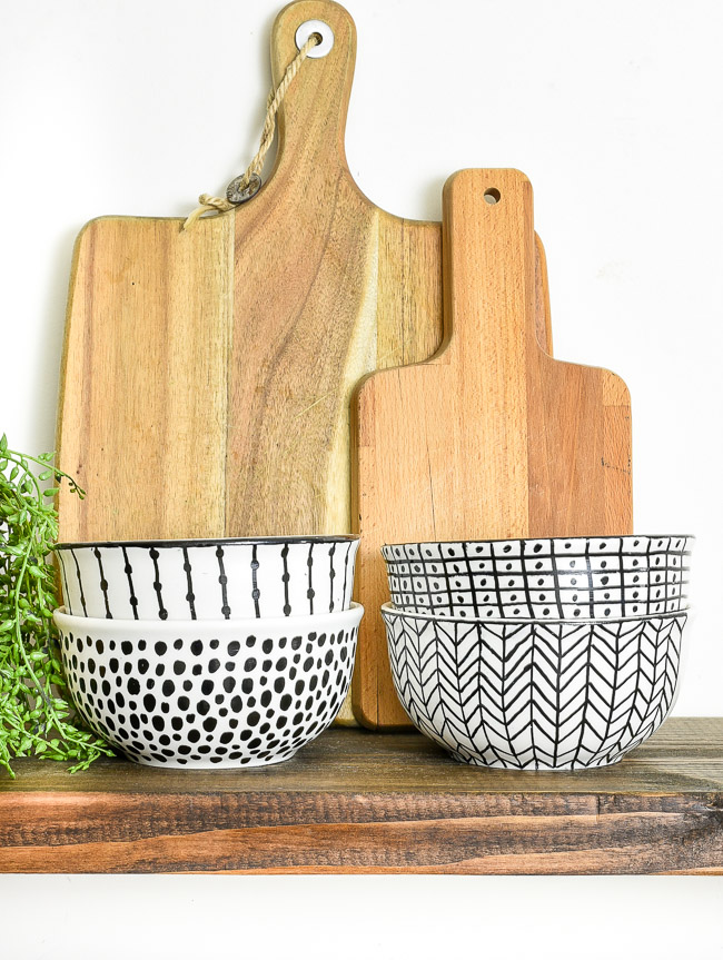 Fun Gifts and Crafts to Make This Summer - DIY Sharpie Art Bowls by Little House of Four