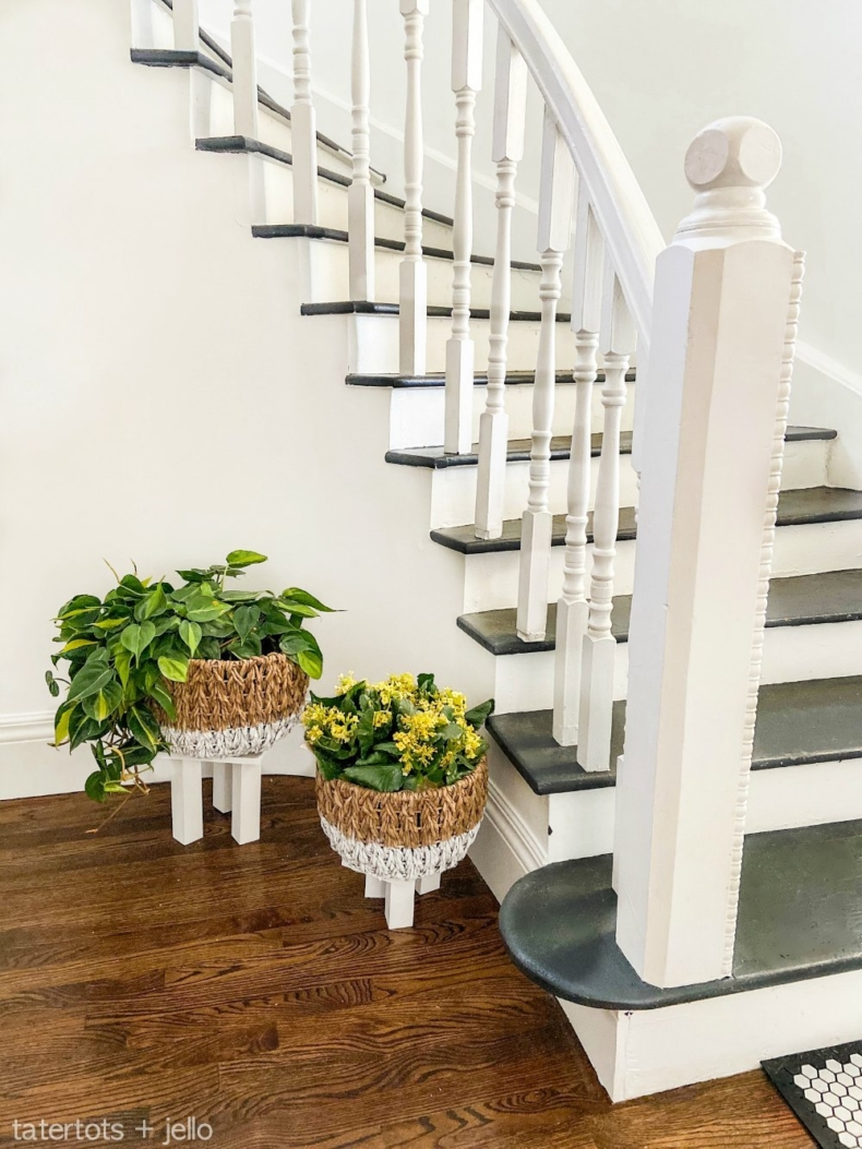 DIY PLanter Ideas - Dipped Planter Baskets with Legs by TaterTots and Jello