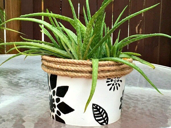 DIY Planter Ideas - DIY Planters from a Plastic Bucket