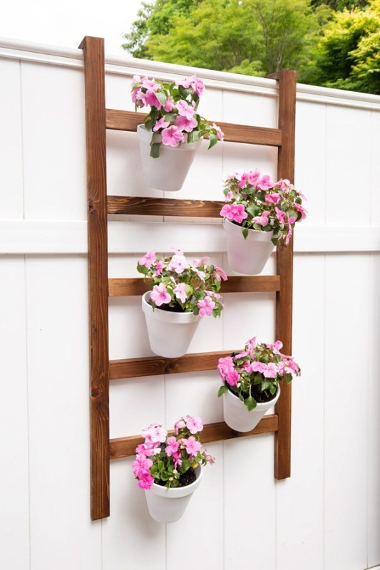 DIY Planter Ideas - DIY Wall Ladder for Plants by Angela Marie Made