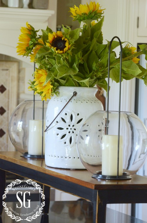 Fall Flower Arrangements and Vignettes - Sunflowers by Stone Gable Blog