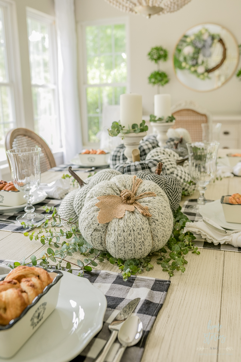 black-white-fall-table-setting