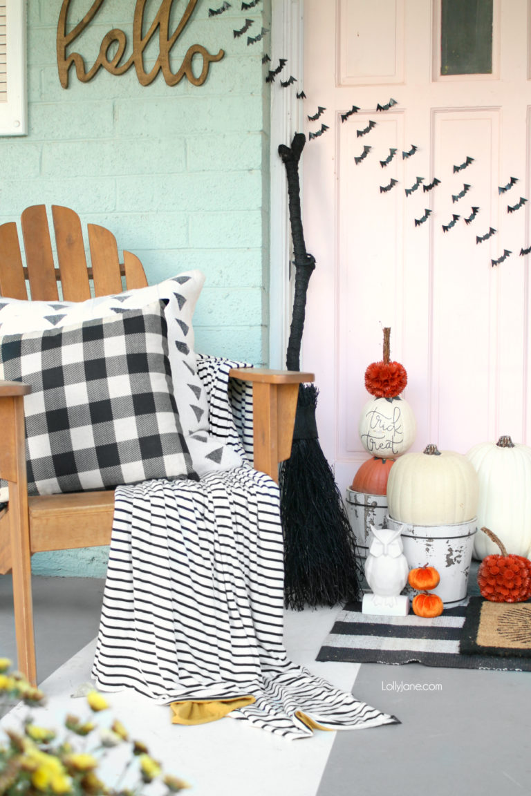 Halloween Porch and Door Ideas - Lolly Jane DIY Pumpkin Topiary