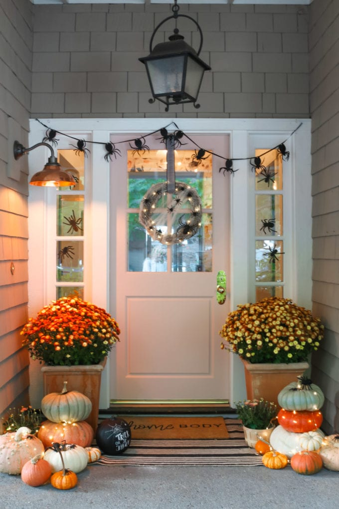 Halloween Porch and Door Ideas - Spider Wreath by Modern Glam