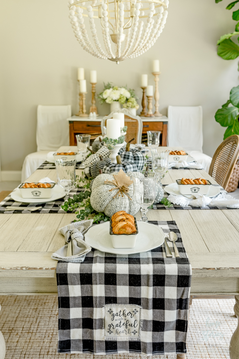 Simple Fall Decor - Black and White Fall Dining Room by Home Stories A to Z