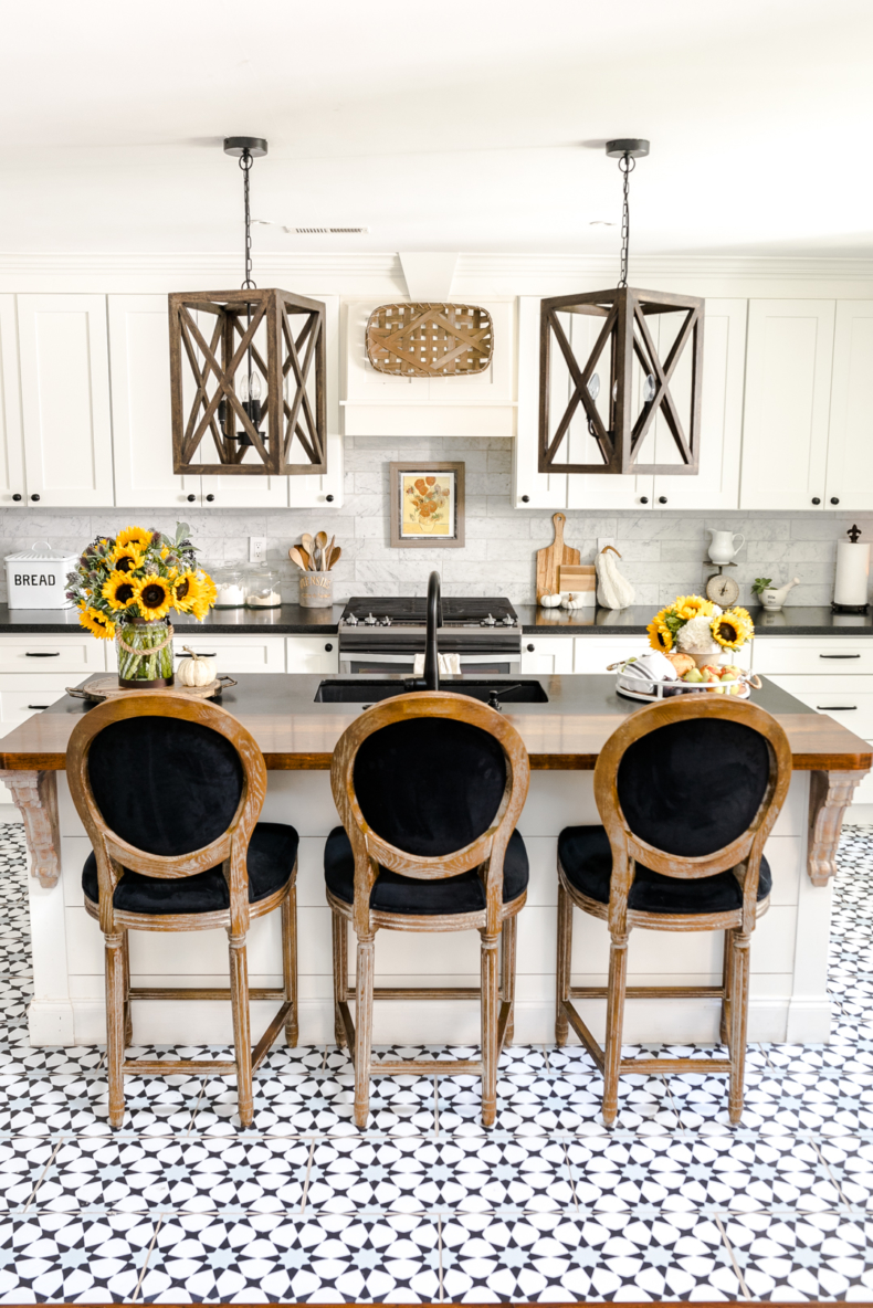 Simple Fall Decor - Black and White Fall Kitchen by Home Stories A to Z