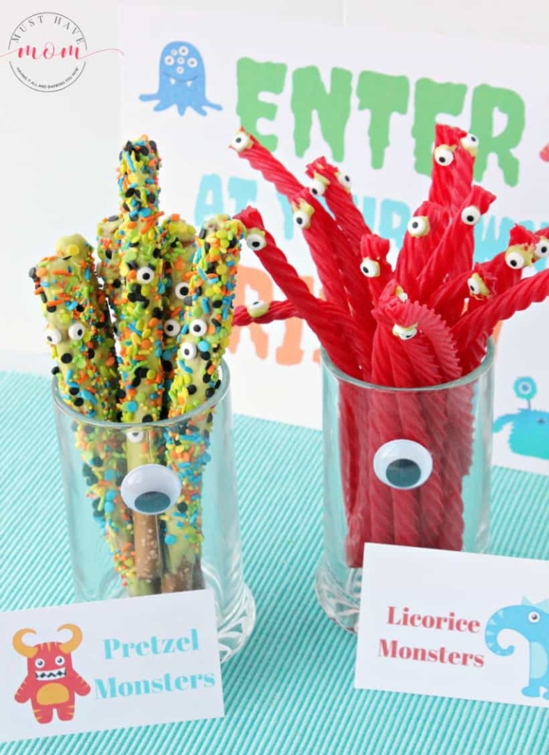 21 Halloween Treats - Chocolate Covered Pretzel Rods by Must Have Mom