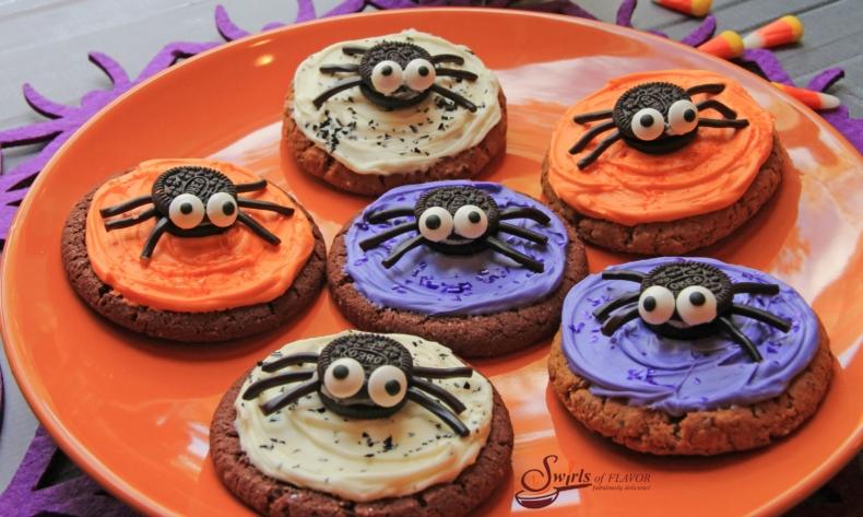 21 Halloween Treats - No Bake Spooky Spider Cookies by Swirls of Flavor
