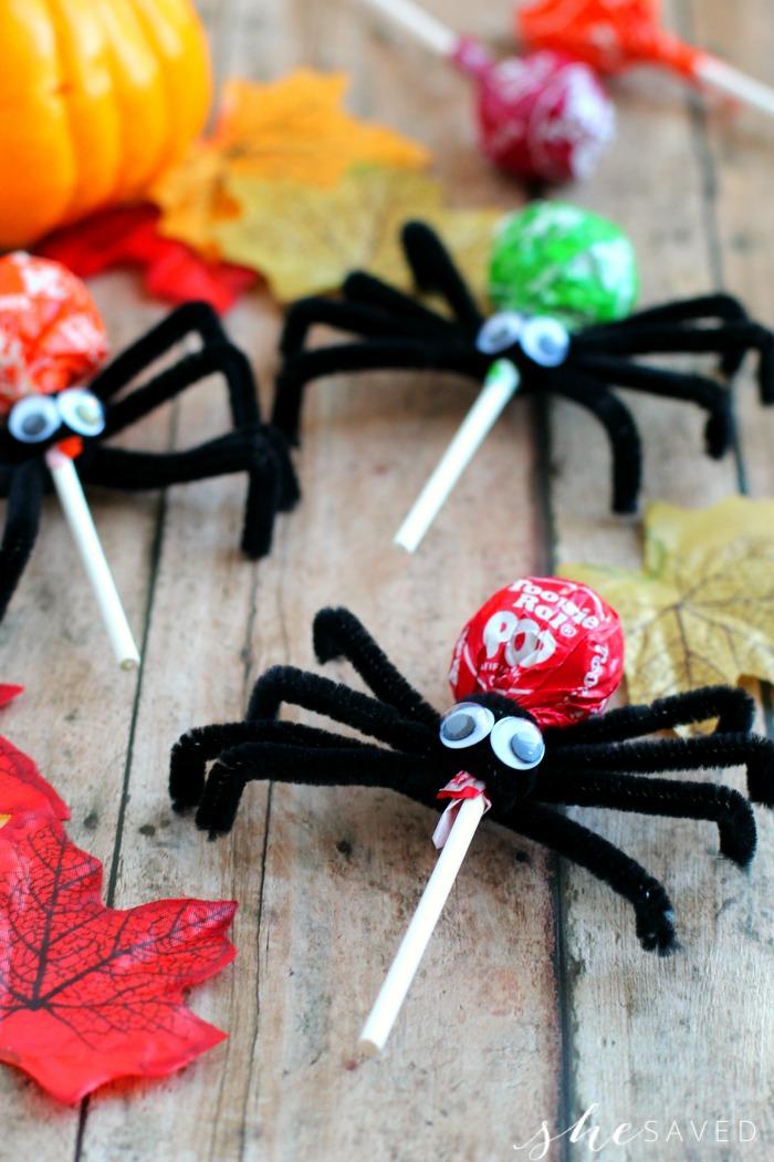 21 Halloween Treats - Tootsie Pop Spiders by She Saved