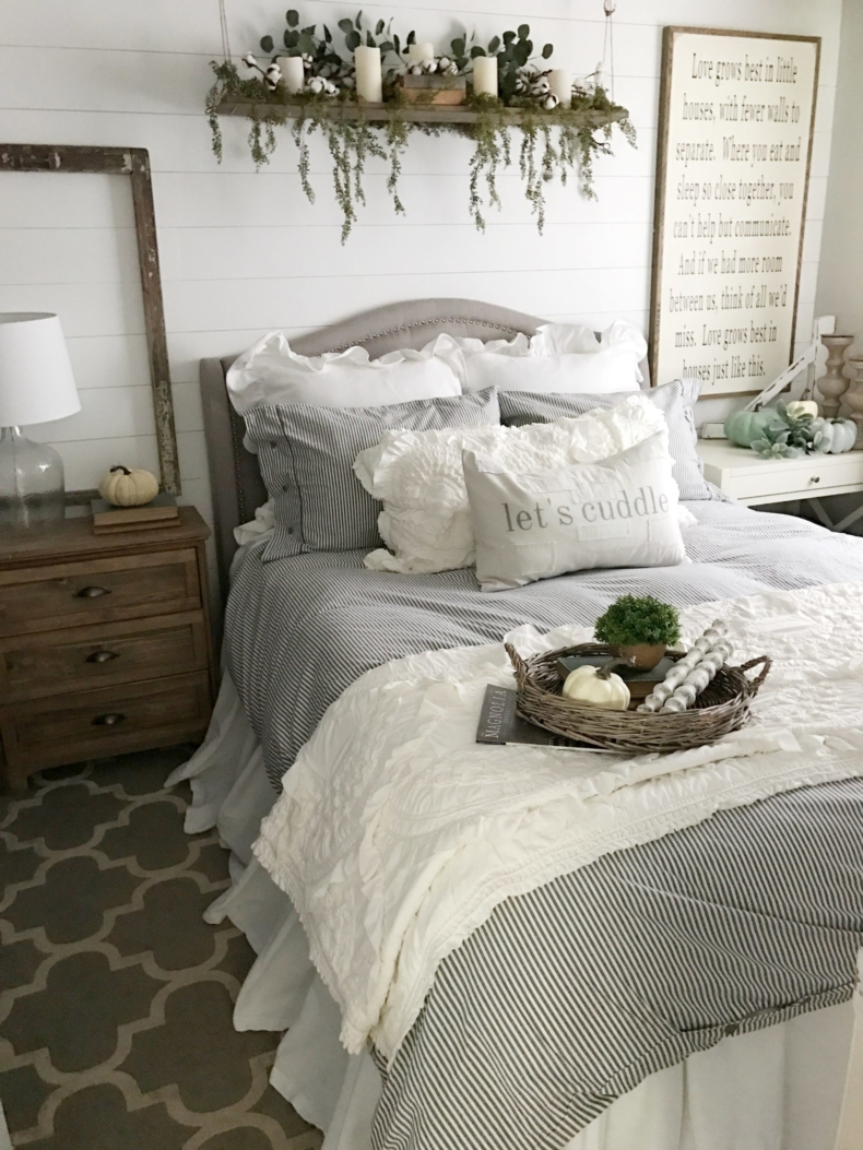 Fall Decor Ideas - Dreaming of Homemaking Fall Bedroom Decor