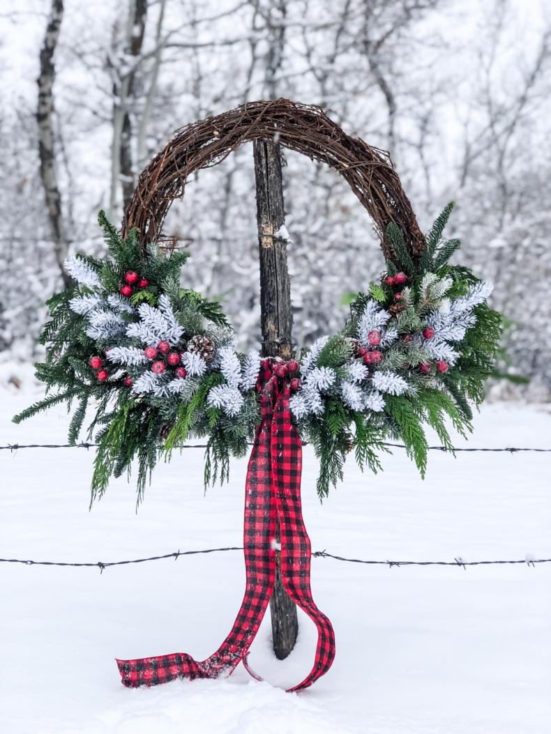 Christmas Wreath Ideas - DIY Giant Evergreen Christmas Wreath by A Pretty Life