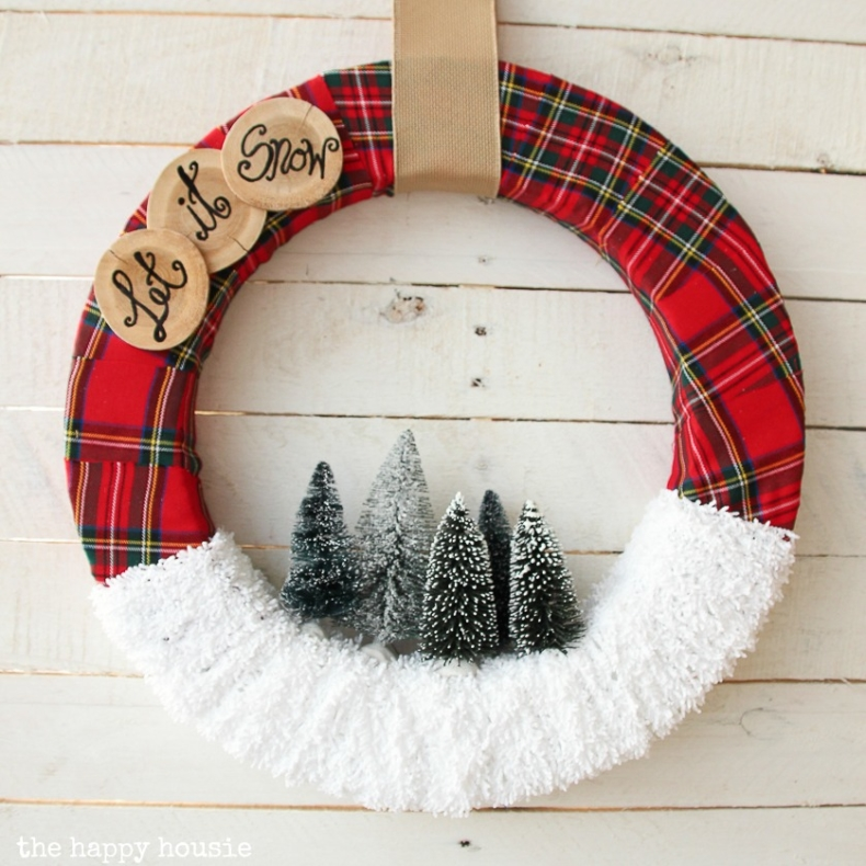 Christmas Wreath Ideas - Let it Snow Christmas Wreath by The Happy Housie