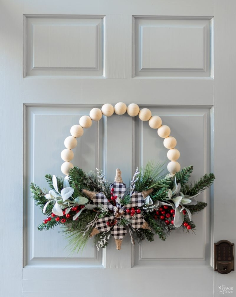 Christmas Wreath Ideas - Wood Bead Christmas Wreath by The Navage Patch