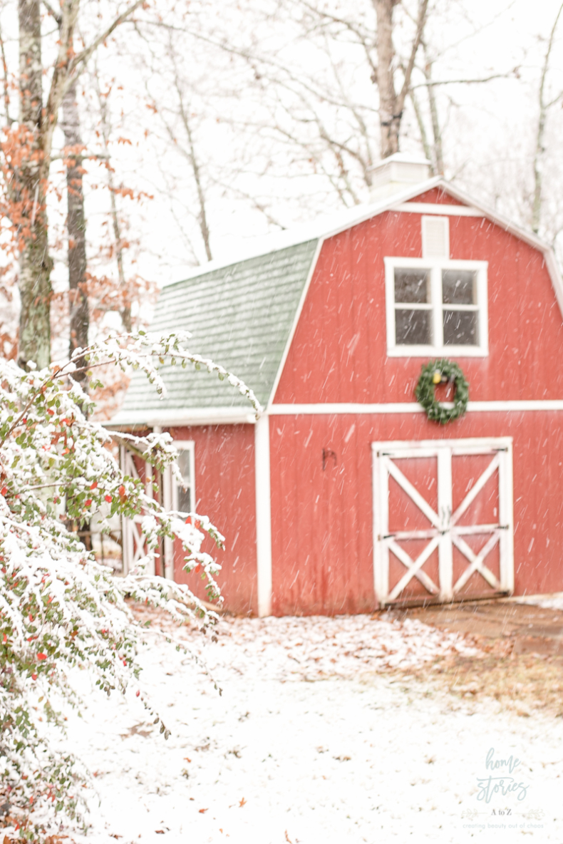 Traditional Christmas Decor Ideas - Christmas Barn by Home Stories A to Z