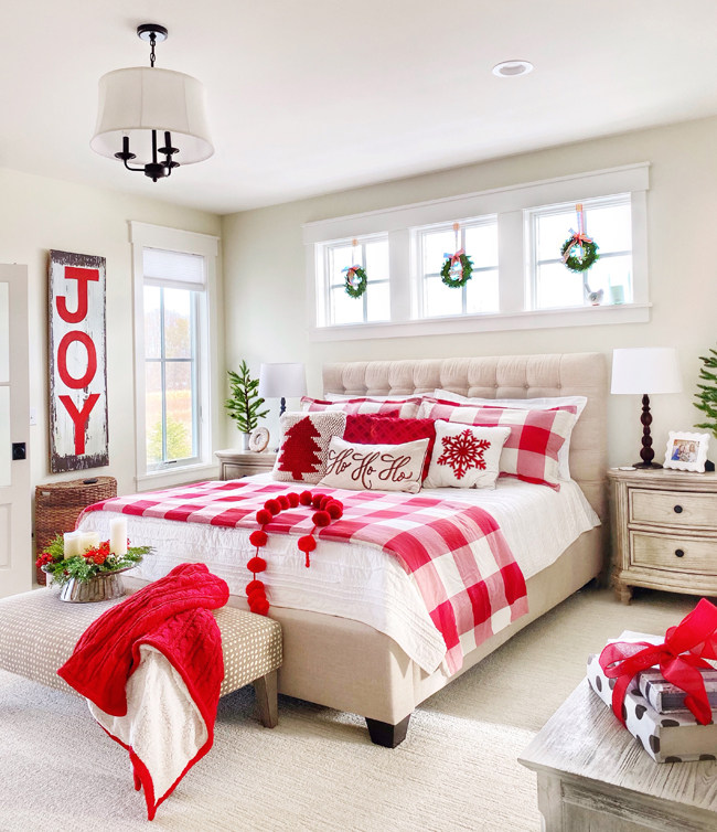 Christmas Bedroom Decor Ideas - Christmas Bedroom by Plaids + Poppies