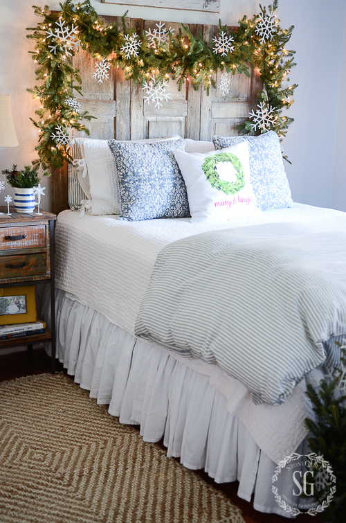 Christmas Bedroom Decor Ideas - Christmas Guest Bedrooms by Stone Gable