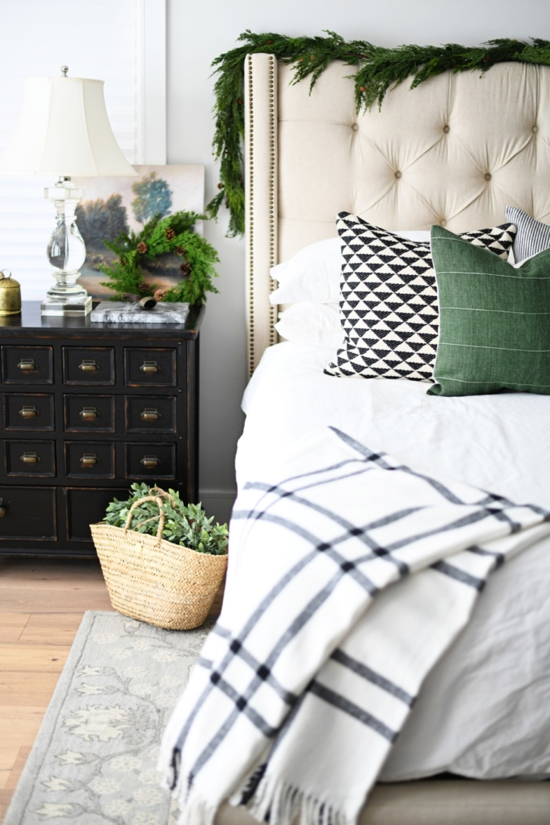Christmas Bedroom Decor Ideas - Neutral Christmas Bedroom by Pink Peppermint Design