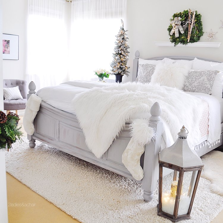 Christmas Bedroom Decor Ideas - Simple Christmas Decor Ideas by 2 Ladies & A Chair