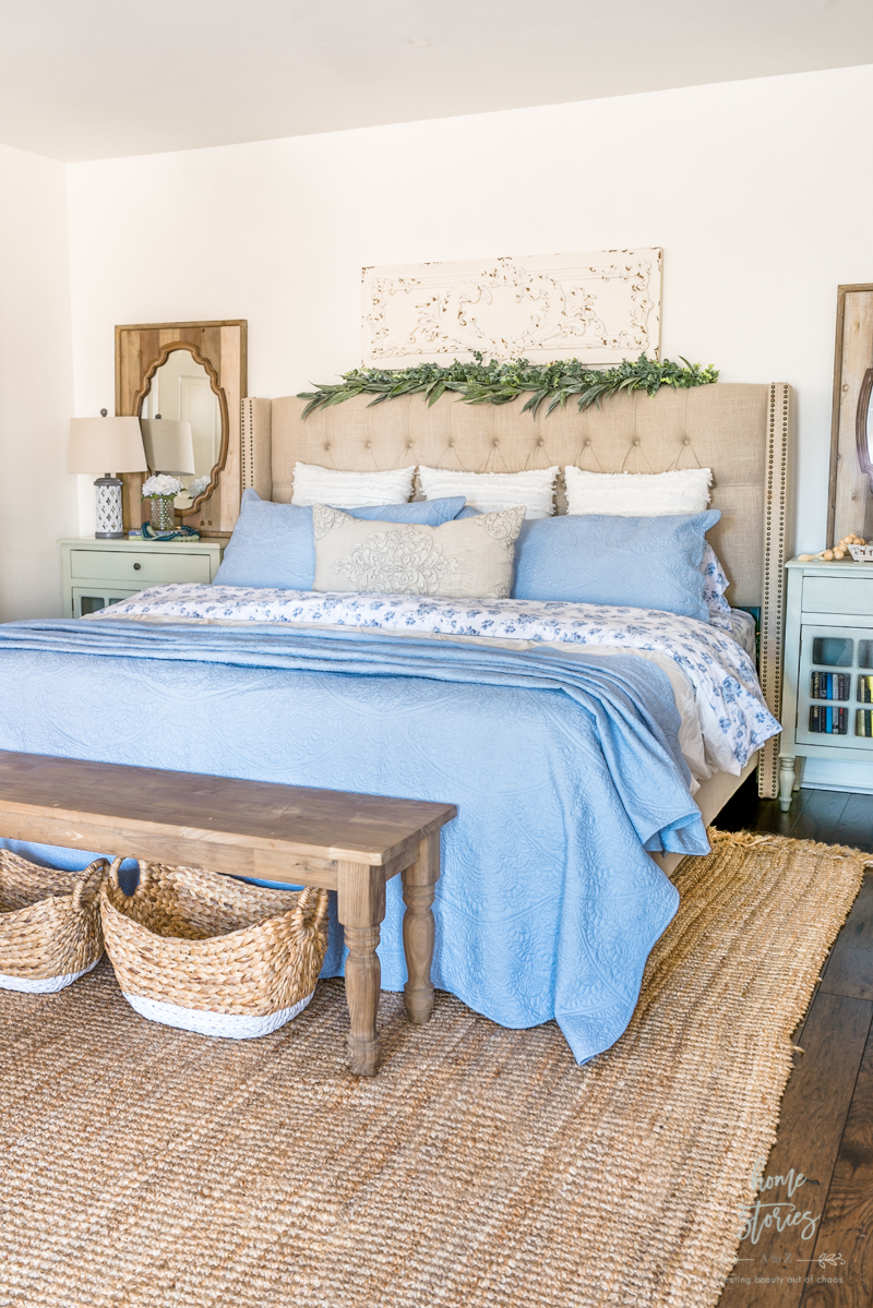 Beautiful Blue And White Bedroom Decor Styling