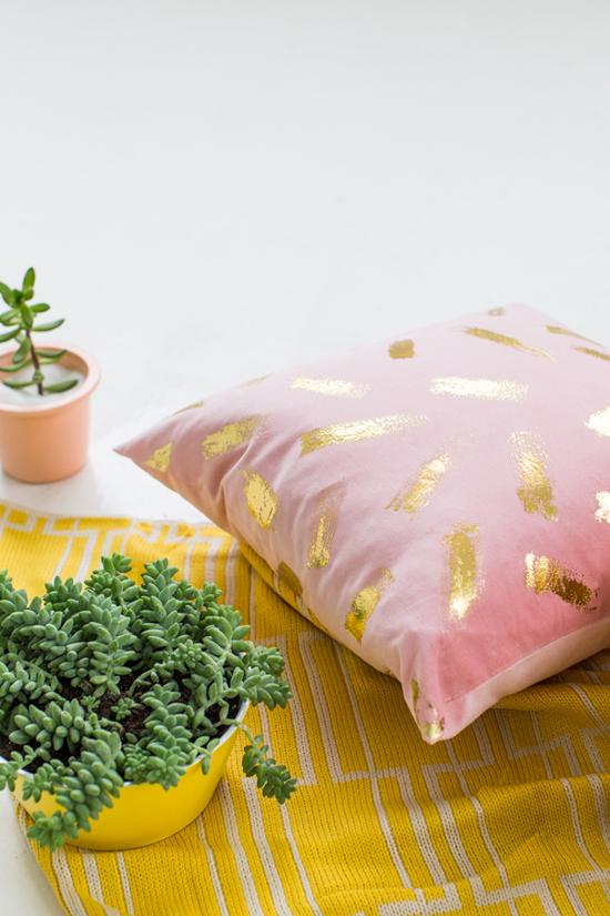 DIY Wedding Gifts - Gold Foil Pillow by Design Love Fest