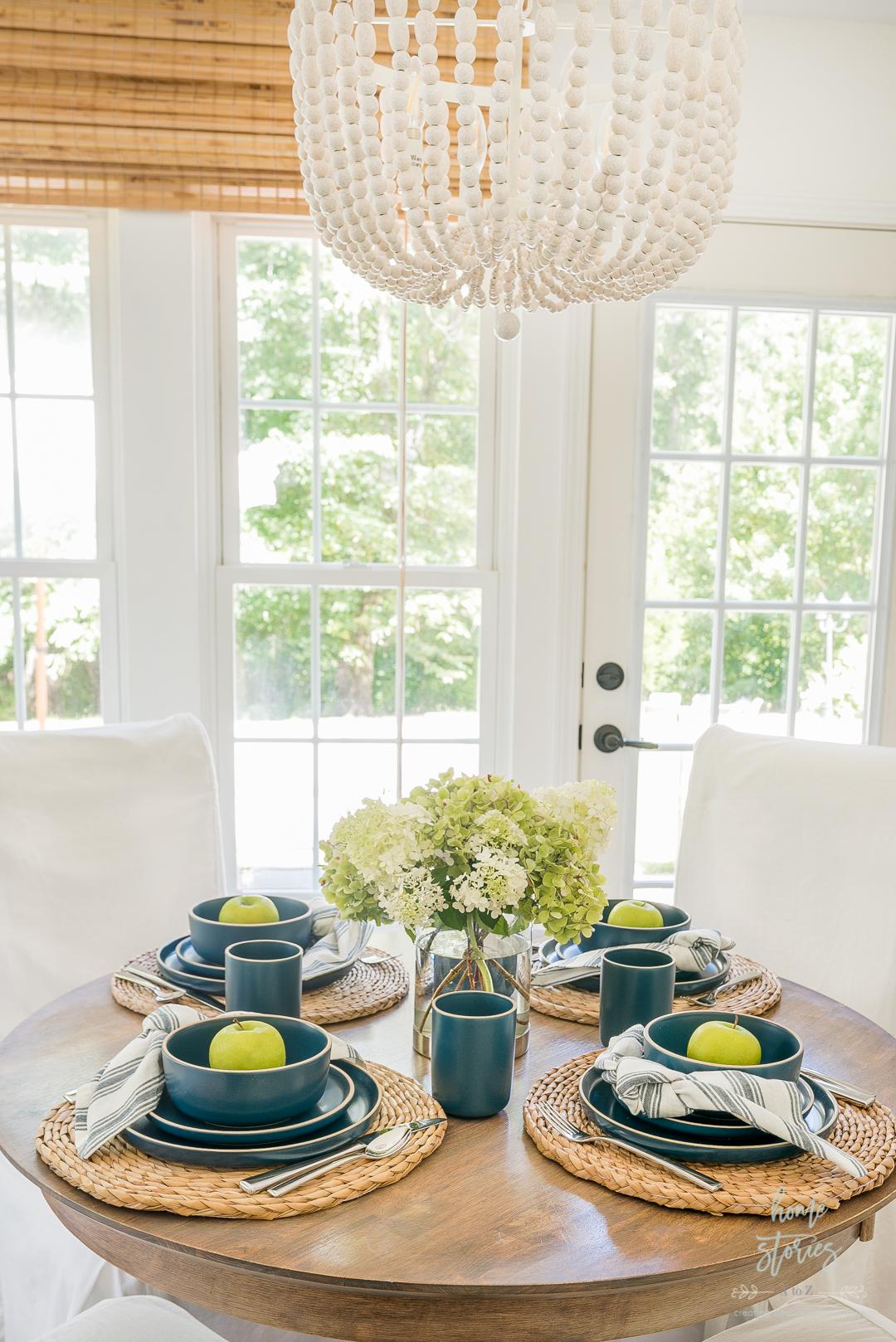 set breakfast nook table