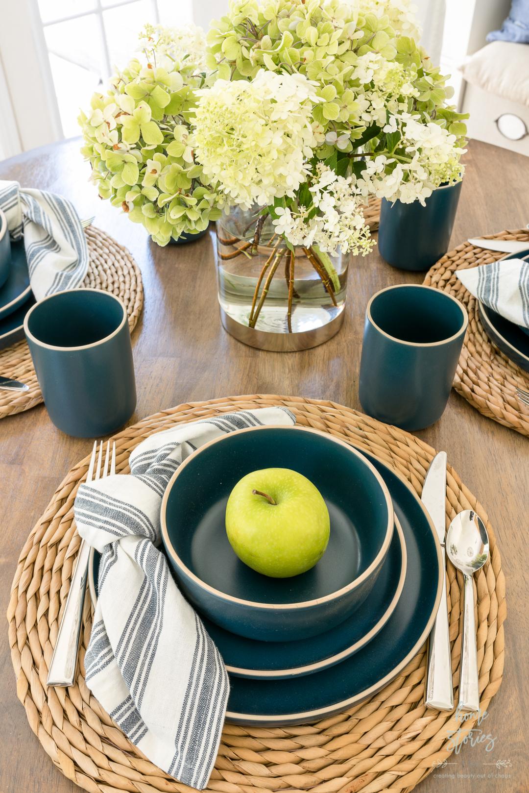 blue summer table setting