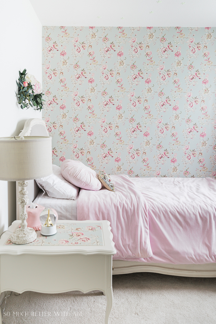 Wallpaper Inspiration - Botanical Wallpaper Accent Wall by So Much Better With Age