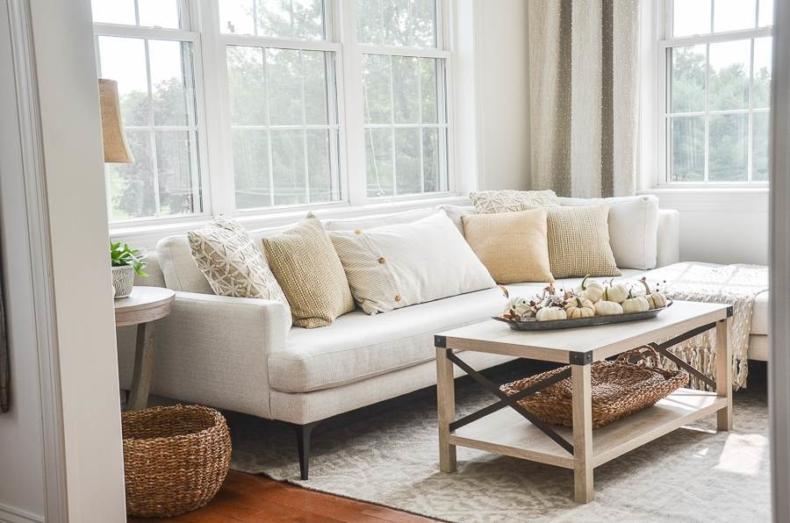 Fall Decor Ideas - Fall Family Room by Stone Gable Blog