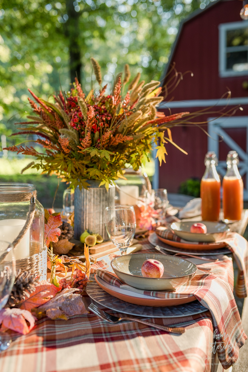 Fall Outdoor Plaid Tablescape