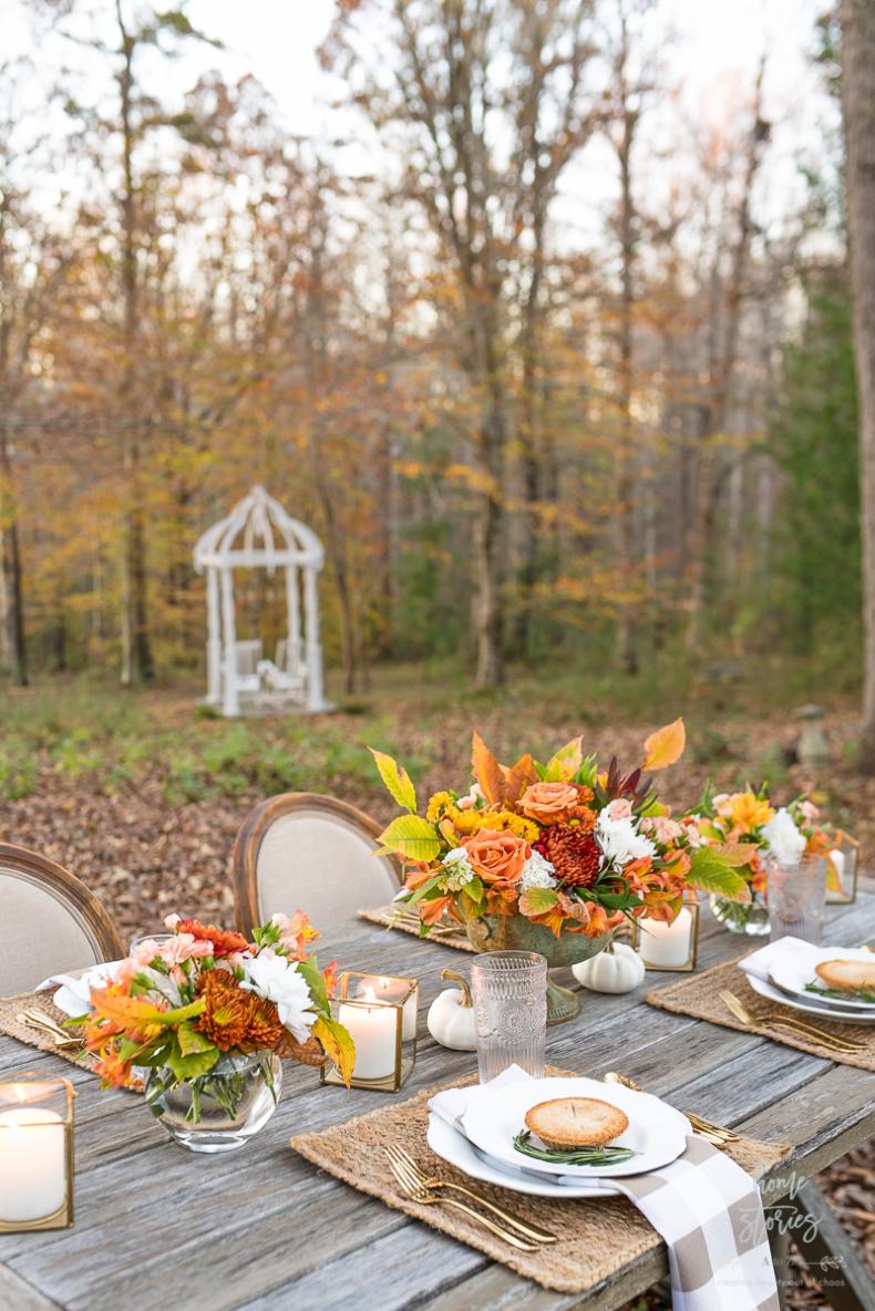 Outdoor Thanksgiving Table Idea